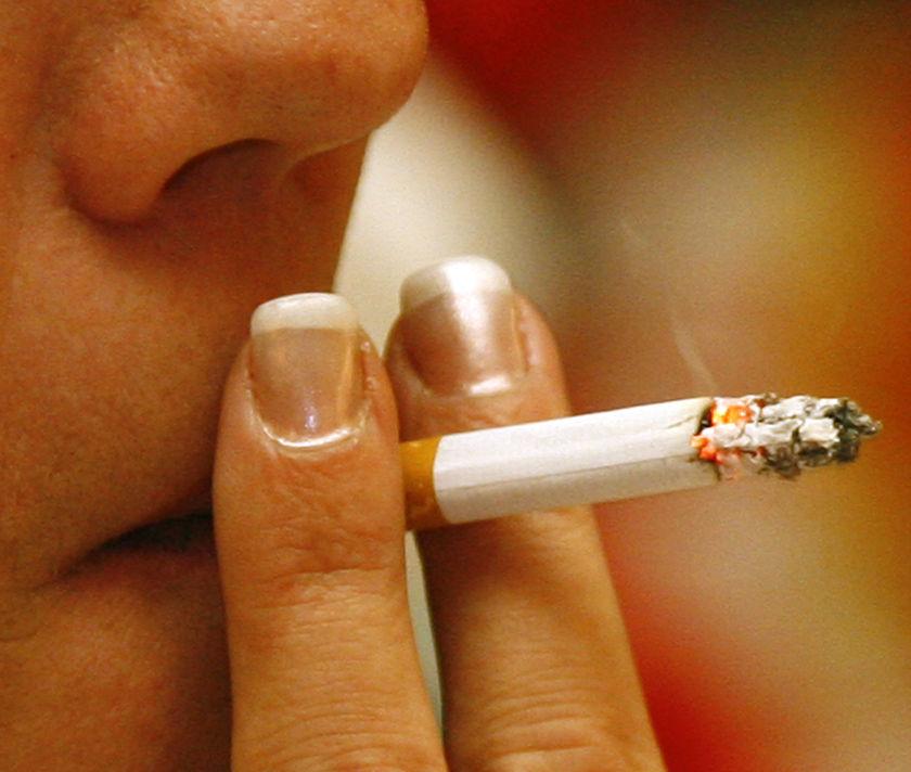 Отрова ни отказва от цигарите
